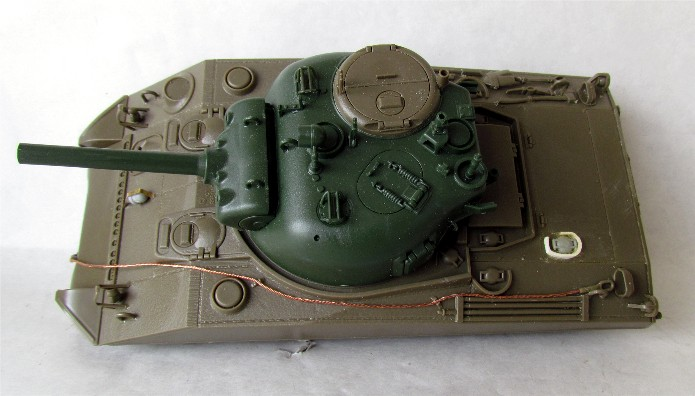 SHERMAN M4 105 MM 1/35 conversion châssis Tamiya et tourelle Accademy FINI IMG_0547