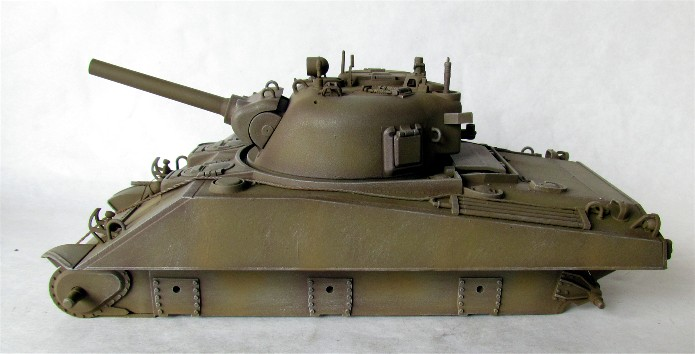 SHERMAN M4 105 MM 1/35 conversion châssis Tamiya et tourelle Accademy FINI IMG_0569