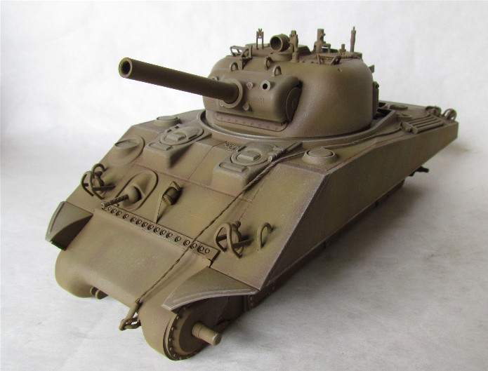 SHERMAN M4 105 MM 1/35 conversion châssis Tamiya et tourelle Accademy FINI IMG_0570