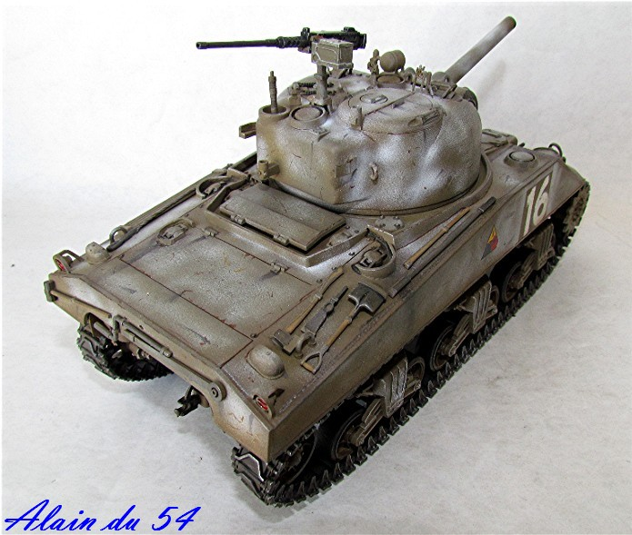 SHERMAN M4 105 MM 1/35 conversion châssis Tamiya et tourelle Accademy FINI Sm5