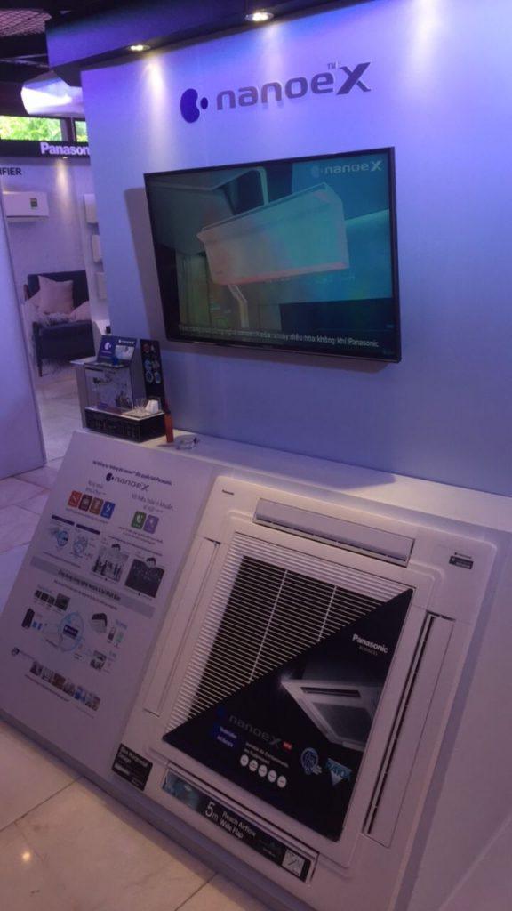 Chuyên phân phối Máy lạnh âm trần Inverter hiện có nổi tiếng của các hãng: DAIKIN, LG, PANASONIC, TOSHIBA M%C3%A1y-l%E1%BA%A1nh-%C3%A2m-tr%E1%BA%A7n-PANASONIC-g%C3%ADa-b%C3%ACnh-d%C3%A2n-nh%E1%BA%A5t-576x1024