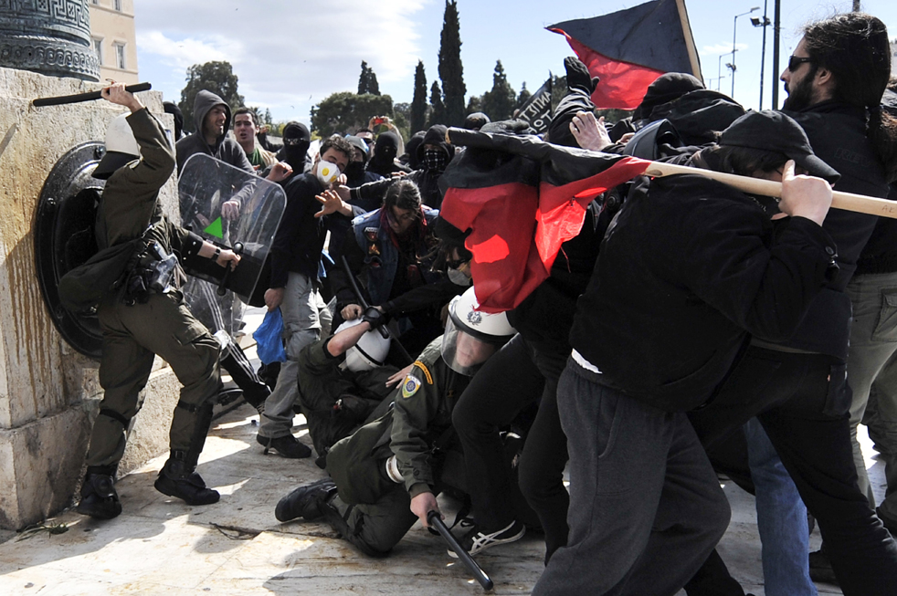 Aspectos Basicos sobre la Federación Anarquista Anarquistas-grecia