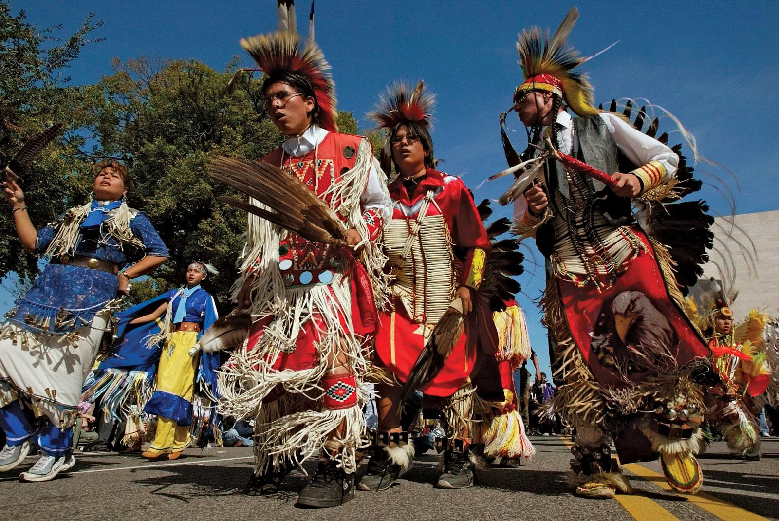 Ici tout sur les Amérindiens bijoux ,histoires ,liens ect...... - Page 2 93267-050-6E60C96F