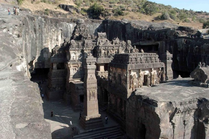 OUT OF THIS WORLD!! The Mystery of the Kailasa Temple in India C99dcb4a8a52c8df46d8e3258cd93945