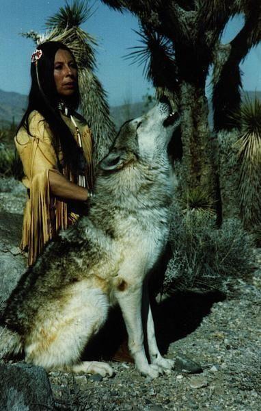 woman and wolf - Page 2 De7ac86938f5760fb14b0e4f41ca64a1