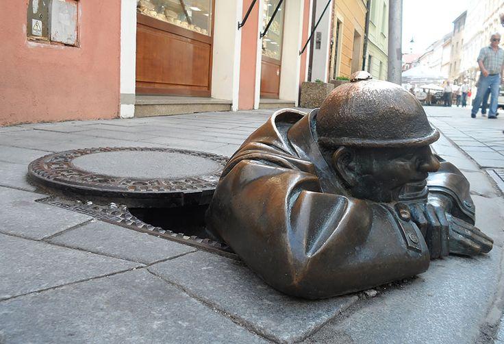 Čudne statue širom sveta - Page 6 F455443d26abd3d08de7571456e0a49f