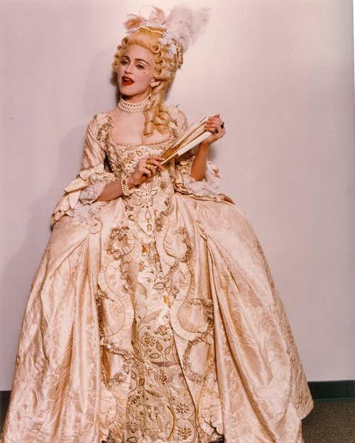 mode - Marie-Antoinette muse de la Mode  33bf68334dd32161ad9d0507981c341a