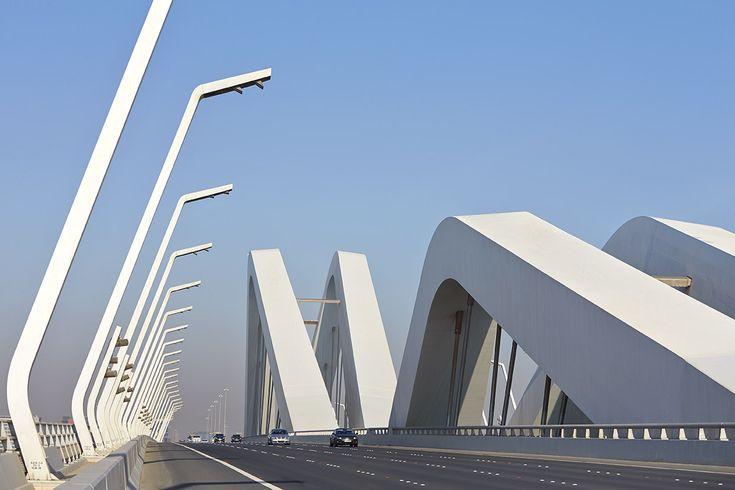 Zaha Hadid vodeći arhitekta sveta i njeni projekti A68f2f33136b4c89dedce067c310d8f5