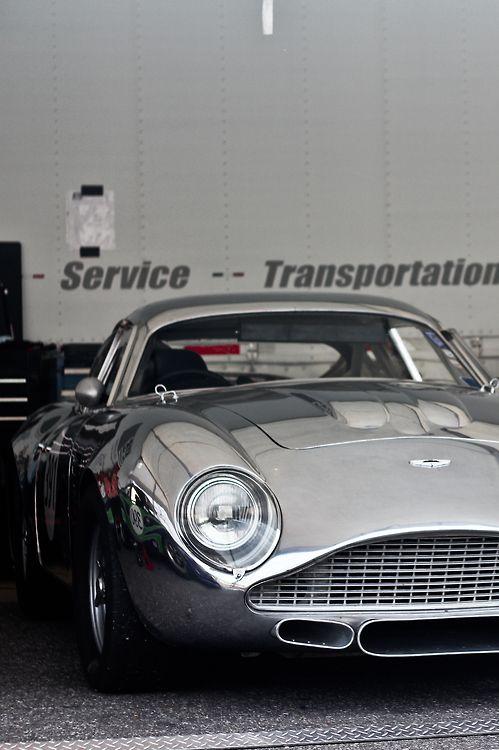 Aston Martin  Efd4af4cadf8ded9e7dd5525a950c316