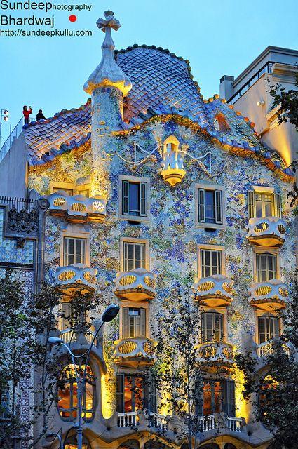 Gaudijeva arhitektura Ff2e3176e12d30402bfb9e6d0ecbf47d