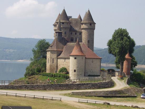 Au fil de la Dordogne Chateau-du-val-just-a