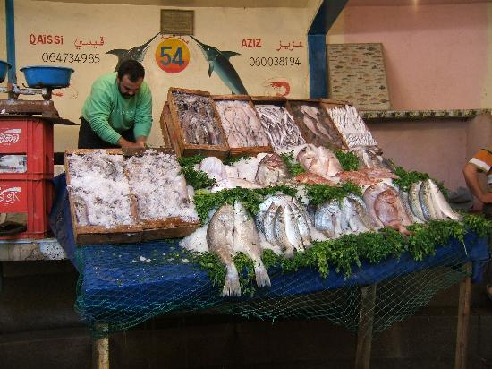 بلاد المغرب بالصور Fish-market-at-the-port