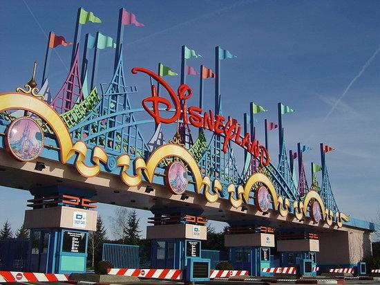 programmes TV Disney hors chaine Disney - Page 3 Disneyland-park-paris