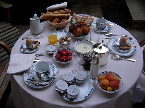 Le bistrot est ouvert - Page 6 Le-petit-dejeuner