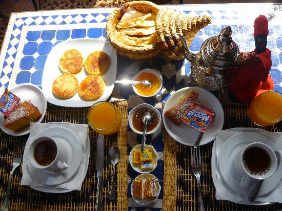 Mercredi 6 novembre Petit-dejeuner-royal