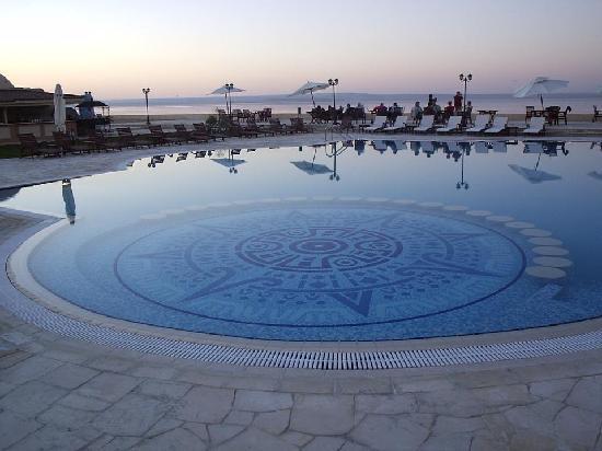 صور من مدينة الفيوم Swimming-pool