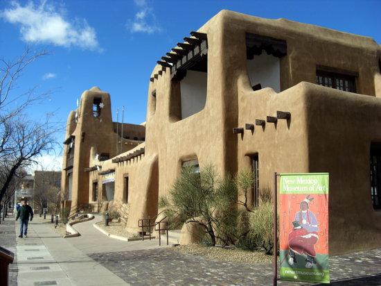 Le Disney's Hotel Santa Fé rénové sur le thème de Cars - Quatre Roues : photos page 16 - Page 3 New-mexico-museum-of