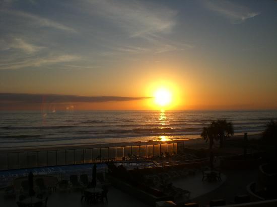 مدينة Ormond beach في ولاية فلــــــوريدا الامريكية Sunrise