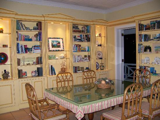 اجمل غرف الطعام لاصحاب الّوووق العالى .......... Dining-room-at-bellavista