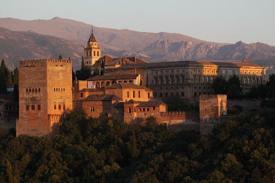 Os dias nos dominios da Casa de Bragança Tramonto-all-alhambra