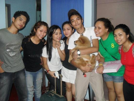 Gente simpatica e juvenil  Quezon-city
