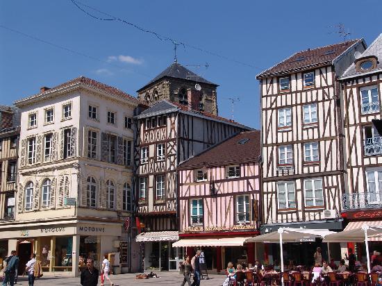 Города - Страница 5 Centre-ville-de-chalons