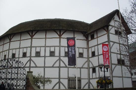 The William Shakespeare Conspiracy   Shakespeare-s-globe-theatre