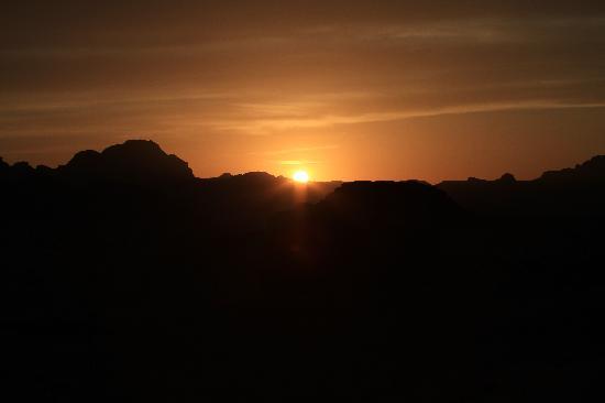 الناي الحزين.. لحن الافاق A-beautiful-sunset