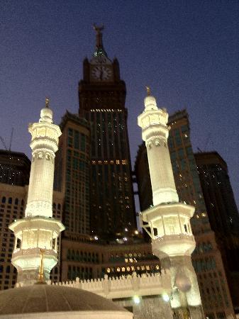 أنا بنت البادية  Makkah-clock-royal-tower
