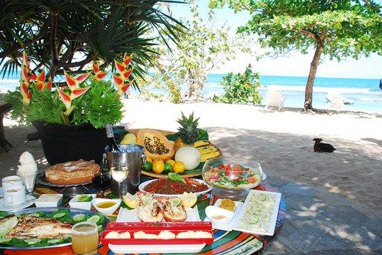 CARNAVAL NATIONAL OKAP  MAIS OU EST L ACCUEIL ???? Lunch-on-the-beach