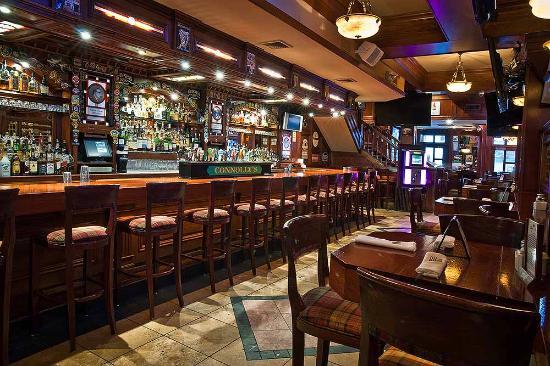 Al encuentro con Axel (Axel S. Crowley y Lluna Conde) Connolly-s-pub