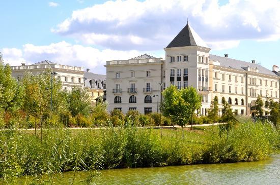 Le Quartier du Lac (depuis 2007) Hipark-serris-val-d-europe