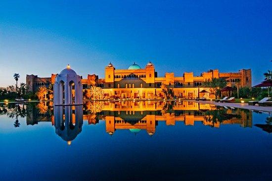 المدن المغربية المحتضنة لكاس العالم للاندية Sunset-pool-view