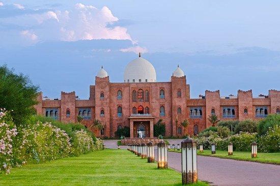 المدن المغربية المحتضنة لكاس العالم للاندية Main-entrance