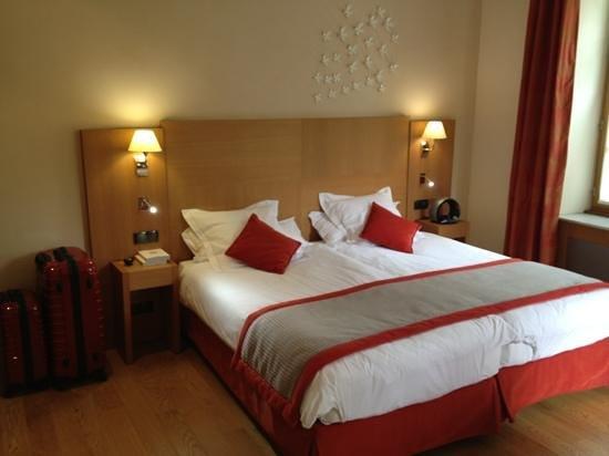 Photos de Relais & Chateaux - Hostellerie de Levernois - Photos de Hôtel