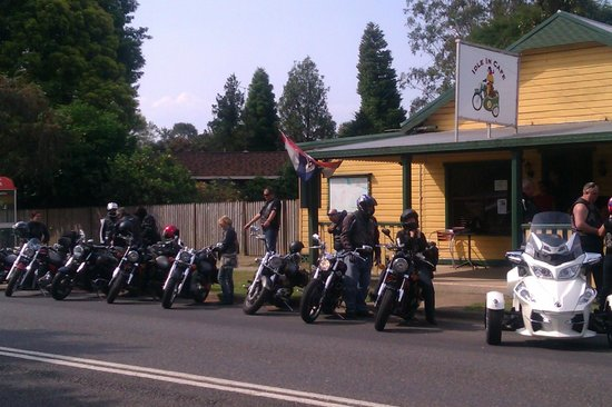 A Ride Through The Northern Tablelands Idle-in-cafe