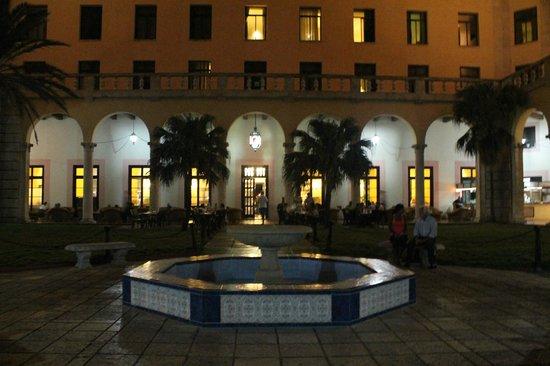 ROL GANZTER - CAPITULO 4 - Página 2 Hotel-nacional-de-cuba