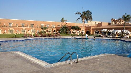 صور من مدينة الفيوم The-swimming-pool