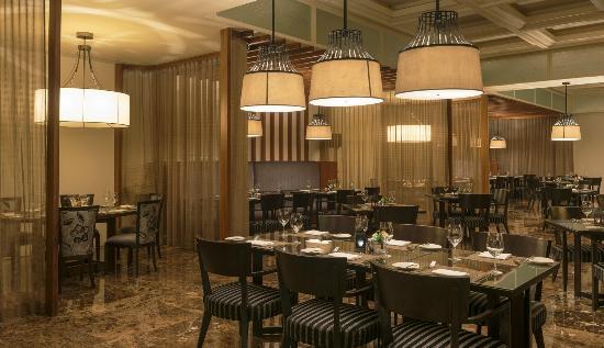 أجمل صالات الطعام Baharat-restaurant-bahrain