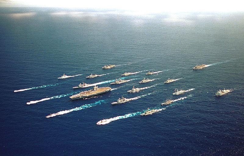 الحرب البحريّة والمواجهة العالميّة القادمة  Abraham-Lincoln-battlegroup%20CBG