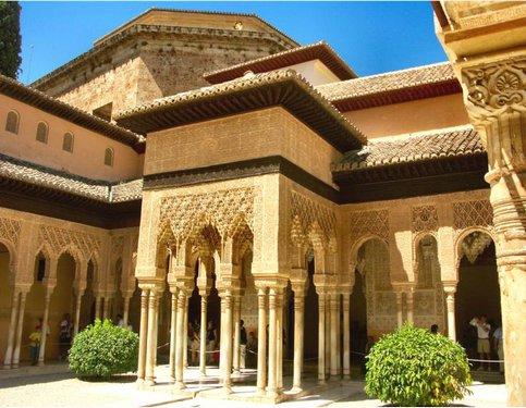 قصر الحمراء شاهد على روعة الحضارة الإسلامية  Hamrraa%20%288%29
