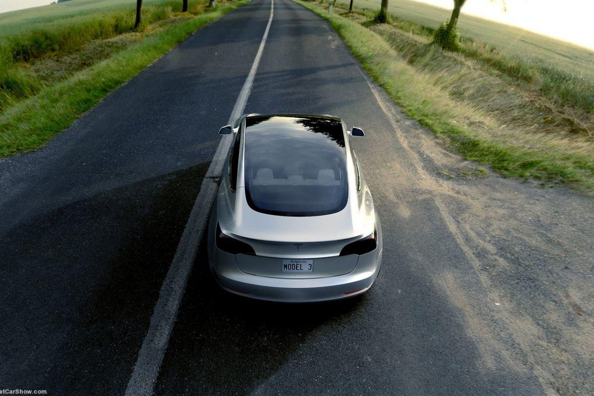 2016 - [Tesla] Model III - Page 3 0guy3fvbz732