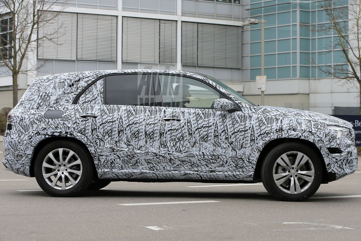 2018 - [Mercedes] GLE II ( ML IV ) - Page 2 0yoygivbcv33