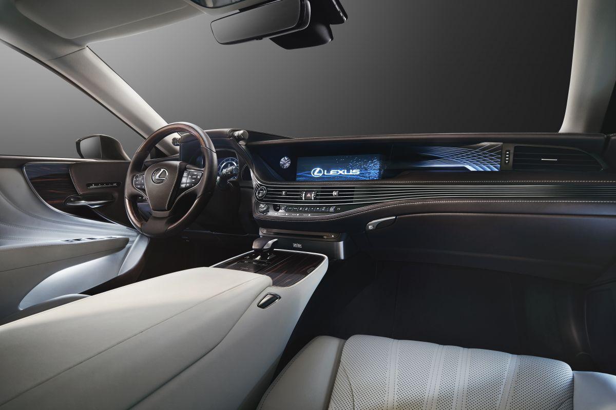 2016 - [Lexus] LS  - Page 2 2ynyw33bll13
