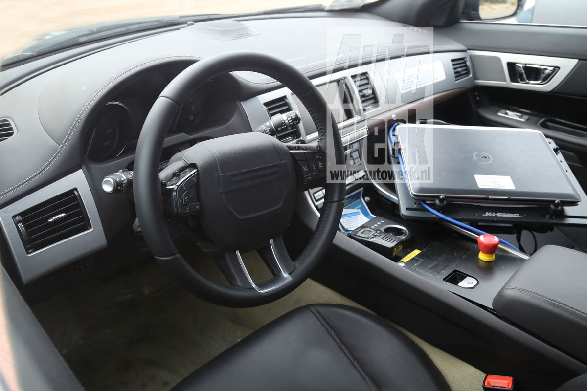 2014 - [Jaguar] XE [X760] - Page 2 M1nyk4qbpdf9