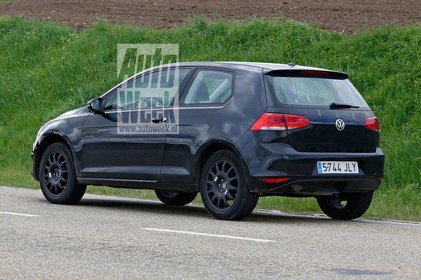 2018 - [Volkswagen] T Roc - Page 3 V41ytmybv7wo_600