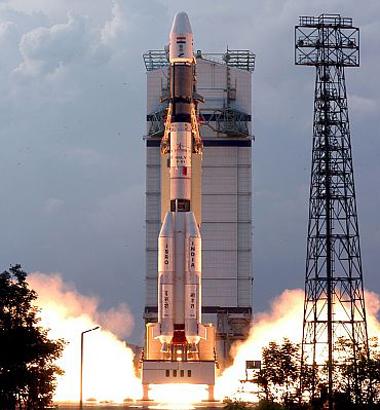 Ấn Độ phóng thành công tên lửa động cơ cryogenic tự chế  050114India