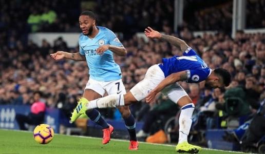 Sau 1 đêm, Liverpool đón nhận 2 tin dữ về Man City và Jurgen Klopp Everton-mc-05-0449