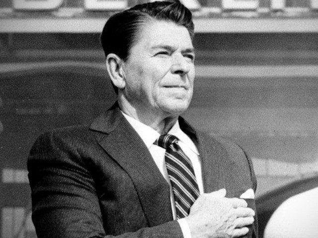 Arrivée du Président francovar Mariani Reagan-hand-over-heart-AP