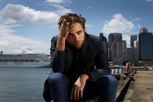 ROBERT PATTINSON - Pagina 3 154538108_10_1024